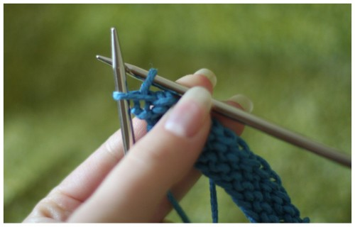 Knitting Wheel Casting Off : Bella knitting: suspended bind off tutorial